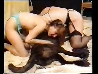 2 lesbians and dog - Old gold